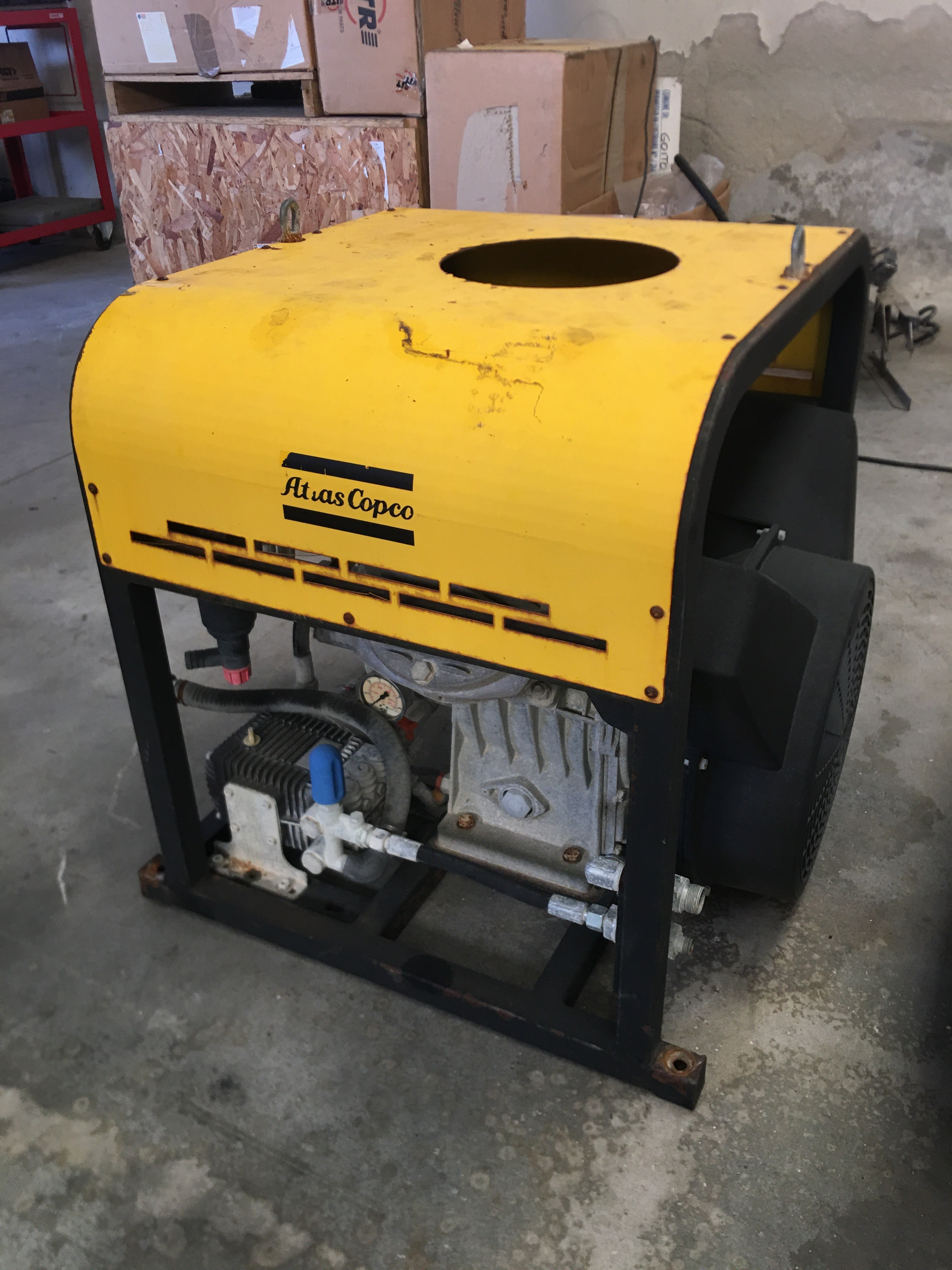 Hydraulic compressor Atlas