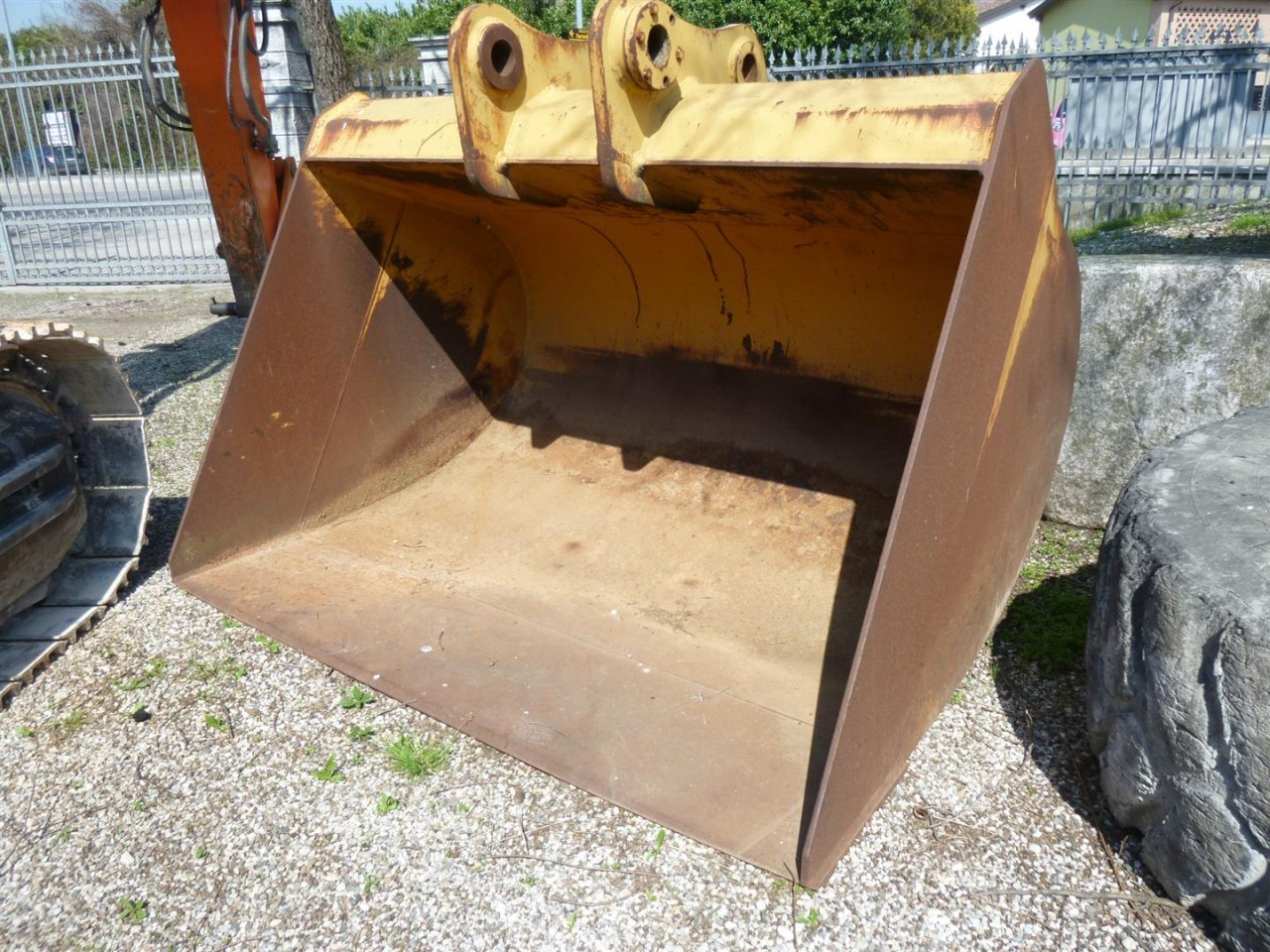 Bucket for CAT 330 C/D 2,4M